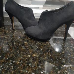 Apt 9 Black heels size 8 1/2